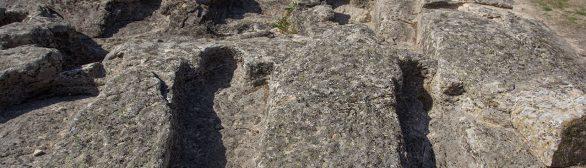 Necrópole de sepulturas rupestres