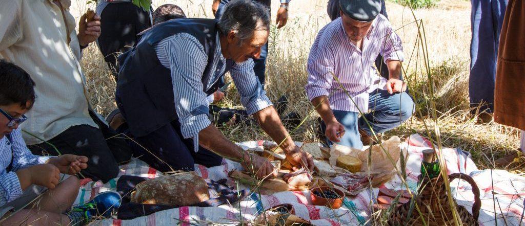 """""""Receitas que Contam Histórias – Gastronomia e Vinhos das Aldeias Históricas de Portugal"""""""